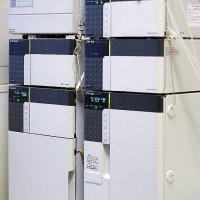 Система ВЭЖХ с флюориметрическим и спектрофотометрическим детекторами «Shimadzu RF-10Axl» для определения ПАУ