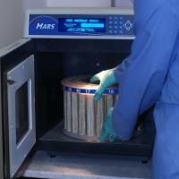 Загрузка образцов для минерализации в систему «MARS EХPRESS»