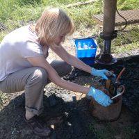 Отбор проб биогаза из геологической скважины